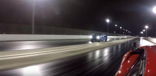 ▲Dodge Charger Hellcat vs Lamborghini Huracan LP610-4(圖/翻攝網路)