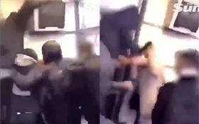 男子遭圍攻把少女當人肉盾牌(圖/翻攝自太陽報)