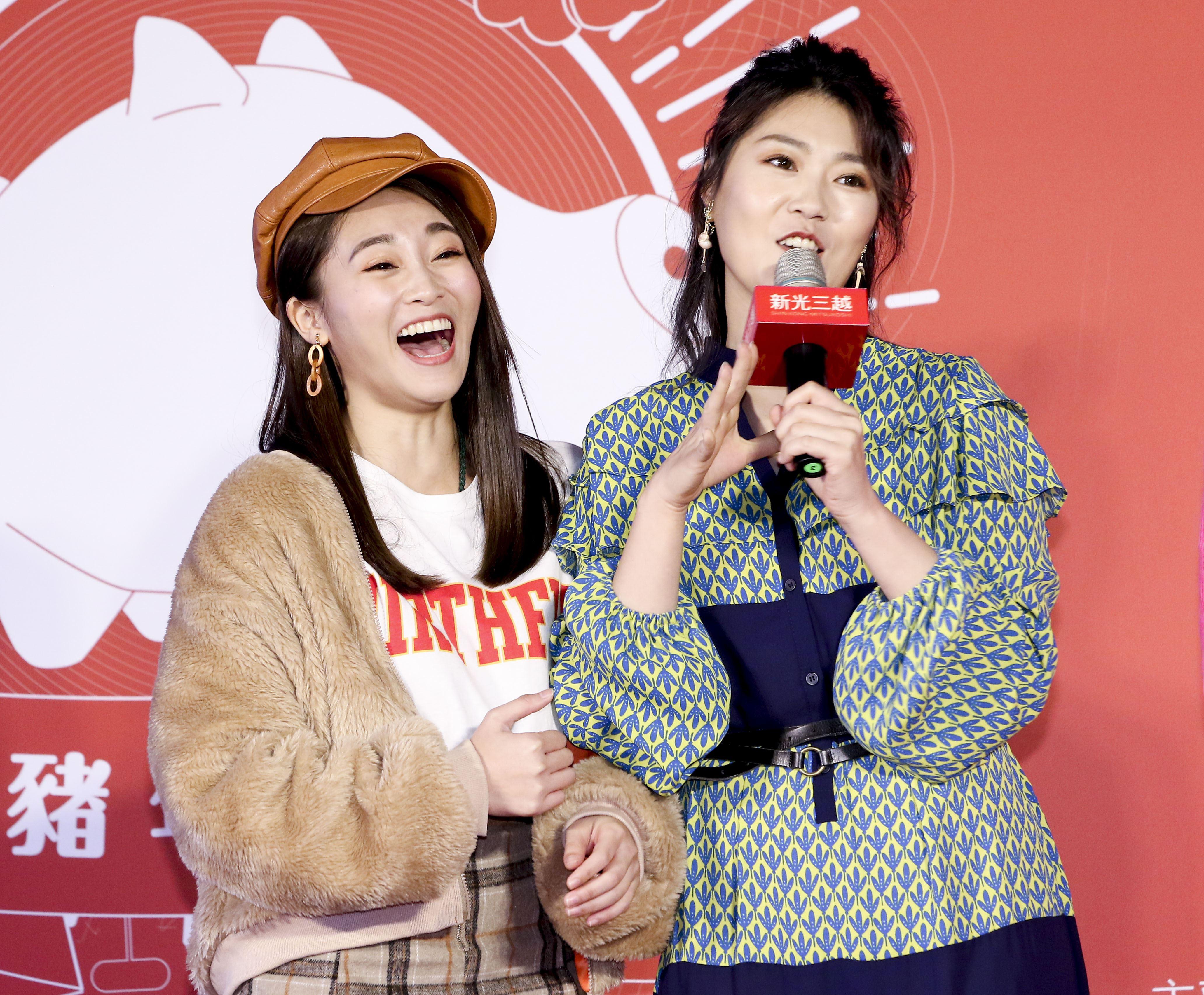 2019新光三越豬年燈展首度結合聲光秀點亮信義區,張文綺與曹雅雯。(記者林士傑/攝影)