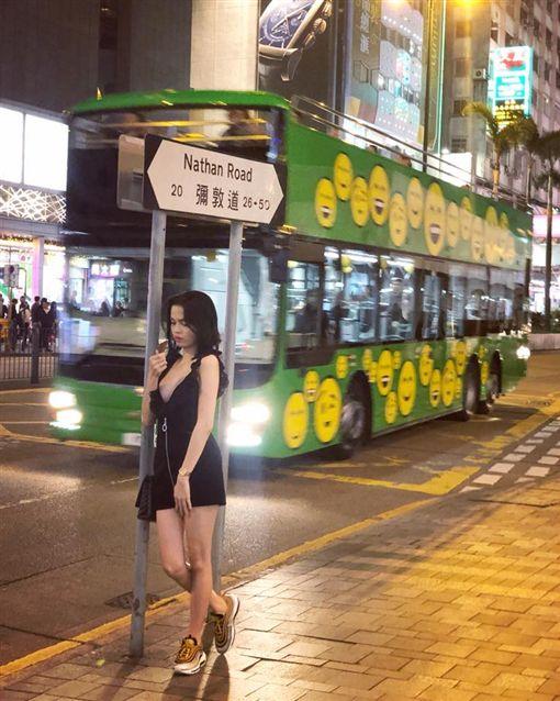 背心,裸露,春光,新加坡,辣妹,地鐵,模特兒,加西婭(Ashley Garcia)(圖/翻攝自ashleygarciaph IG)