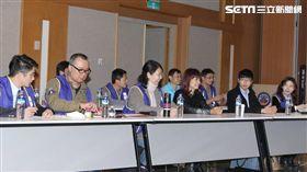 記者邱榮吉攝 華航 交通部勞資第三次協商 機師工會 罷工 機師工會代表
