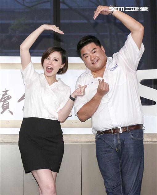 全新行腳類旅遊節目《呂讀台灣》開播記者會,主持人呂捷、王偊菁。(記者林士傑/攝影)