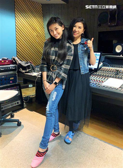 「國民女友」祈錦鈅(小鈅)、馬毓芬。(圖/Webtvasia Taiwan 提供)