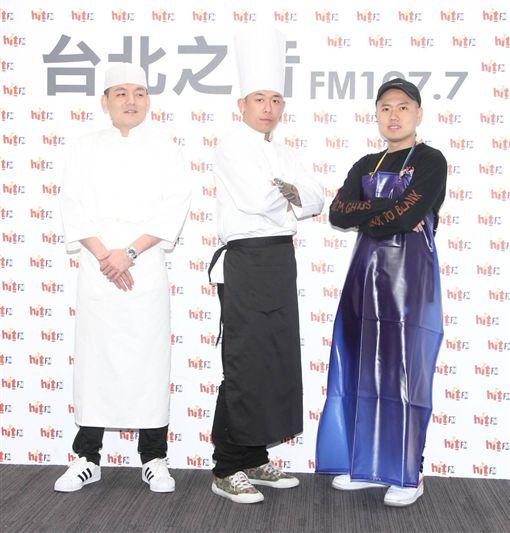 玖壹壹電台宣傳新歌。(圖/記者邱榮吉攝影)