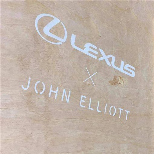 ▲UX X John Elliot Air Force 1(圖/翻攝網路)