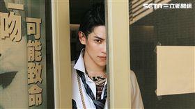 陳柏融在電影《一吻定情》中飾演癡情守護湘琴的阿金。(圖/周子娛樂提供)