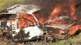 16:9 火燒車 自焚 意外 圖/翻攝自pixabay https://pixabay.com/photo-872265/