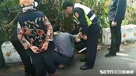 台鐵斗六、斗南區間車禍 女死者丈夫痛哭 (圖/翻攝畫面)