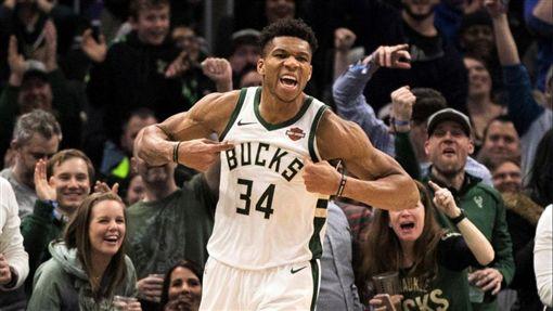 NBA/砲彈長傳!字母哥送出神助攻NBA,2019全明星,Giannis Antetokounmpo翻攝自推特