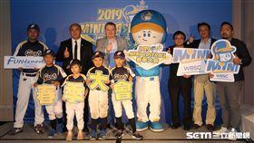 推廣迷你棒球辦春季大會,張泰山擔任推廣大使。(圖/記者王怡翔攝影)