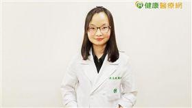陳奐樺醫師提醒,由於多囊性卵巢症候群不易察覺,因此若經期3個月未正常報到時,應盡早至婦科檢查。