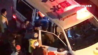 鹽水蜂炮「炸出意外」 2人受傷送醫