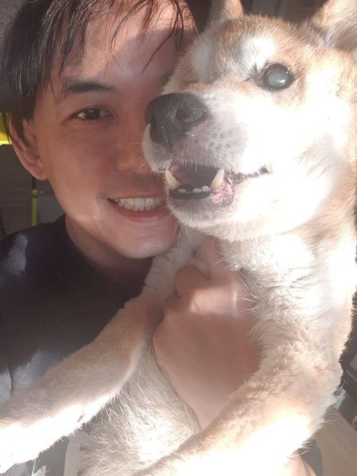 黃子佼愛犬過世。(圖/翻攝自黃子佼臉書)