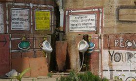 廁所對神明不敬!印度6億人野外便溺 (圖/攝影者giovanni Campus, Flickr CC License)