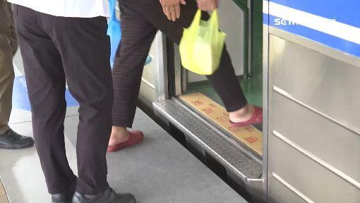 乘客墜月台間隙滿身傷 怒批台鐵處理推託