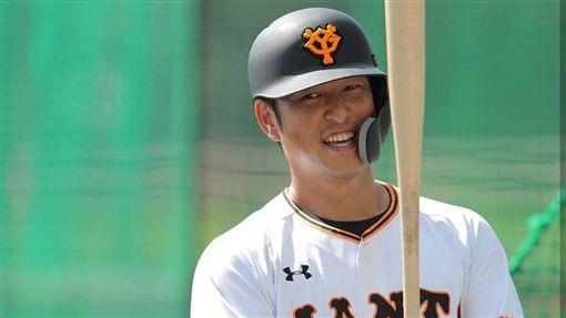 ▲老將中島宏之新球季將競爭先發一壘手。(圖/翻攝自推特)