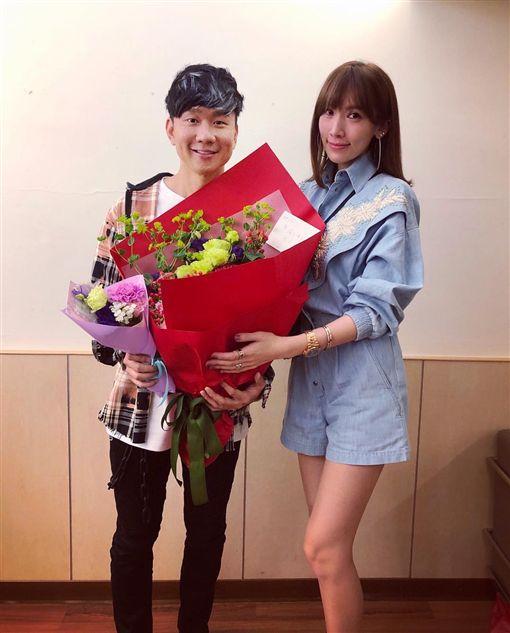 林志穎老婆陳若儀在林俊傑演唱會送花。(圖/翻攝自陳若儀IG)