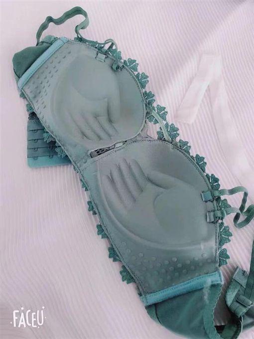 胸罩,造型,手,絕世好bra,爆笑公社 圖/翻攝自臉書