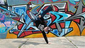 16:9 跳舞 街舞 地板動作 圖/翻攝自pixabay https://pixabay.com/photo-559895/