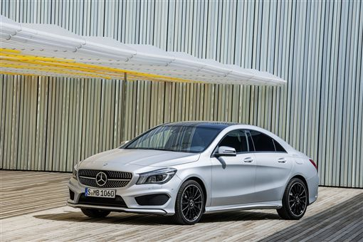 ▲賓士優惠加碼,特定車型送保險。(圖/Mercedes-Benz提供)