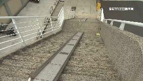 天橋鐵馬梯1800