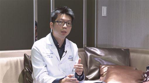 奕起聊健康,臺安醫院胃腸肝膽科主治醫師葉秉威,食道癌(記者陳則凱攝影)