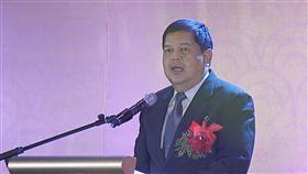 菲央行總裁艾斯皮尼亞菲律賓中央銀行總裁艾斯皮尼亞(Nestor Espenilla)稱菲國經濟基本面良好,披索匯率將恢復穩定性。圖為艾斯皮尼亞6月出席華南銀行開業酒會致詞。(檔案照片)中央社記者林行健馬尼拉攝 106年8月16日