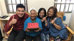 76歲老婦OHCA被救回 感恩消防員讓她「多過好幾個年」(圖/杉林分隊提供)
