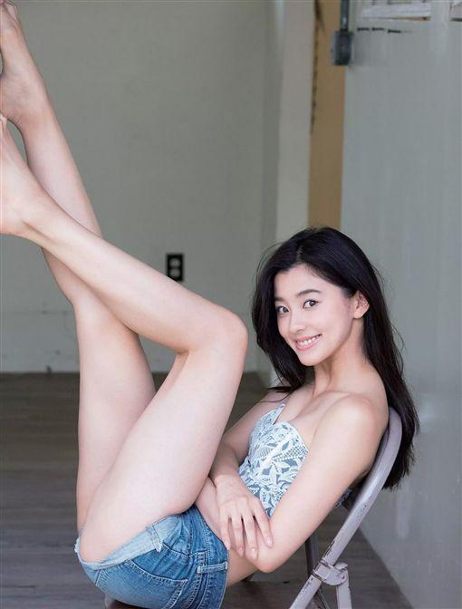朝比奈彩 (圖/IG)