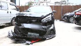 試新車撞爛1800