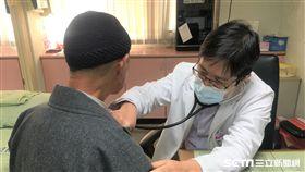 南投醫院表示,醫師會針對肺癌患者給予個別化的治療方式,呼籲患者別輕易放棄。(圖非新聞當事人/南投醫院提供)