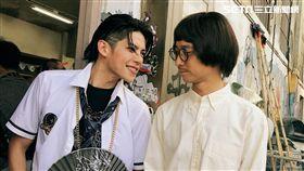 陳柏融透露高中時班導師就是學校教官,對人有如電影裡的浩子一樣親切。(圖/周子娛樂提供)