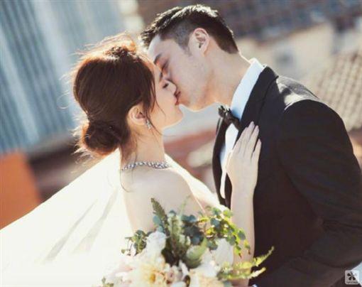 鍾欣潼、阿嬌、賴弘國結婚。(圖/微博)