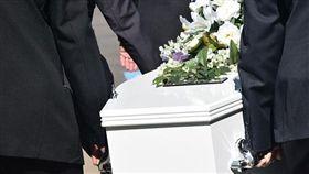黑衣人、葬禮、告別式/Pixabay