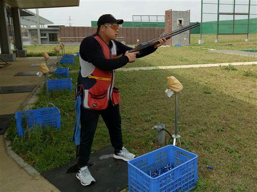 ▲李孟源練習不定向飛靶目。(圖/體育署提供)