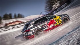 ▲Audi e-tron成功挑戰傳奇雪道。(圖/Audi提供)