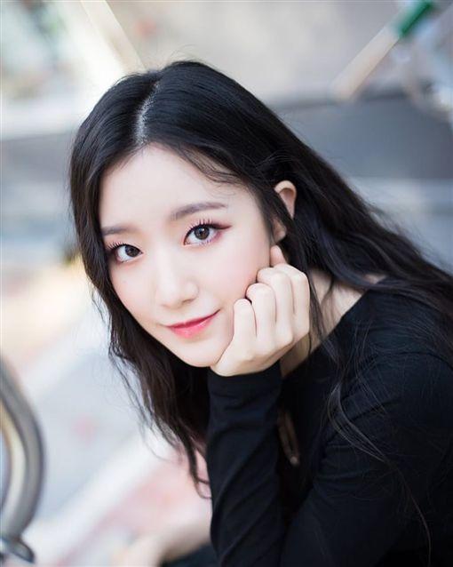 南韓女團「(G)I-DLE」台灣成員舒華。IG
