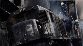 (圖/翻攝自推特)埃及,開羅,火車,大火,爆炸