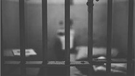 監獄,坐牢 圖/pixabay