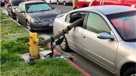 亂停車檔到消防栓!消防局上傳慘狀「下場就是這樣」 圖/翻攝推特