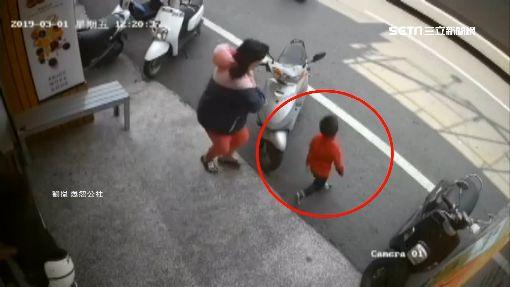 男童衝馬路害摔車 女騎士:家長沒一句道歉