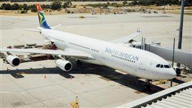 南非航空一名機師沒有執照,竟開了20幾年的飛機。(圖/翻攝自foxnews)