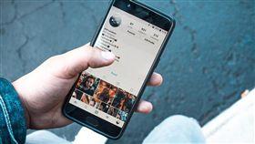 Instagram,臉書,社群,Facebook,低頭族/pixabay