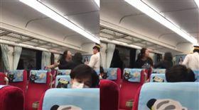 女乘客搭台鐵高歌被勸小聲點,不爽飆罵列車長嗆「要去跳車」。(圖/翻攝爆料公社)