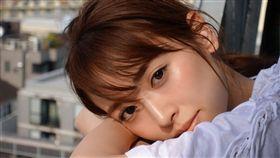 泉里香被選為「真人版娜美」冠軍的不二人選。(圖/翻攝自日網)