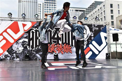 ▲Gino在國際街舞大賽秀舞技。(圖/主辦單位提供)