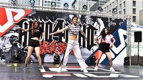 ▲舒子晨在國際街舞大賽秀舞技。(圖/主辦單位提供)