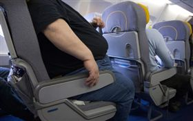 美國,Reddit,飛機,胖子,機票(圖/翻攝自推特)