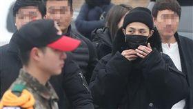 G-Dragon(權志龍)當兵後常請假失晉升機會。(圖/翻攝自韓網)