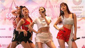 偶像女團IVI勁歌熱舞受注目。 (圖/17 Media)